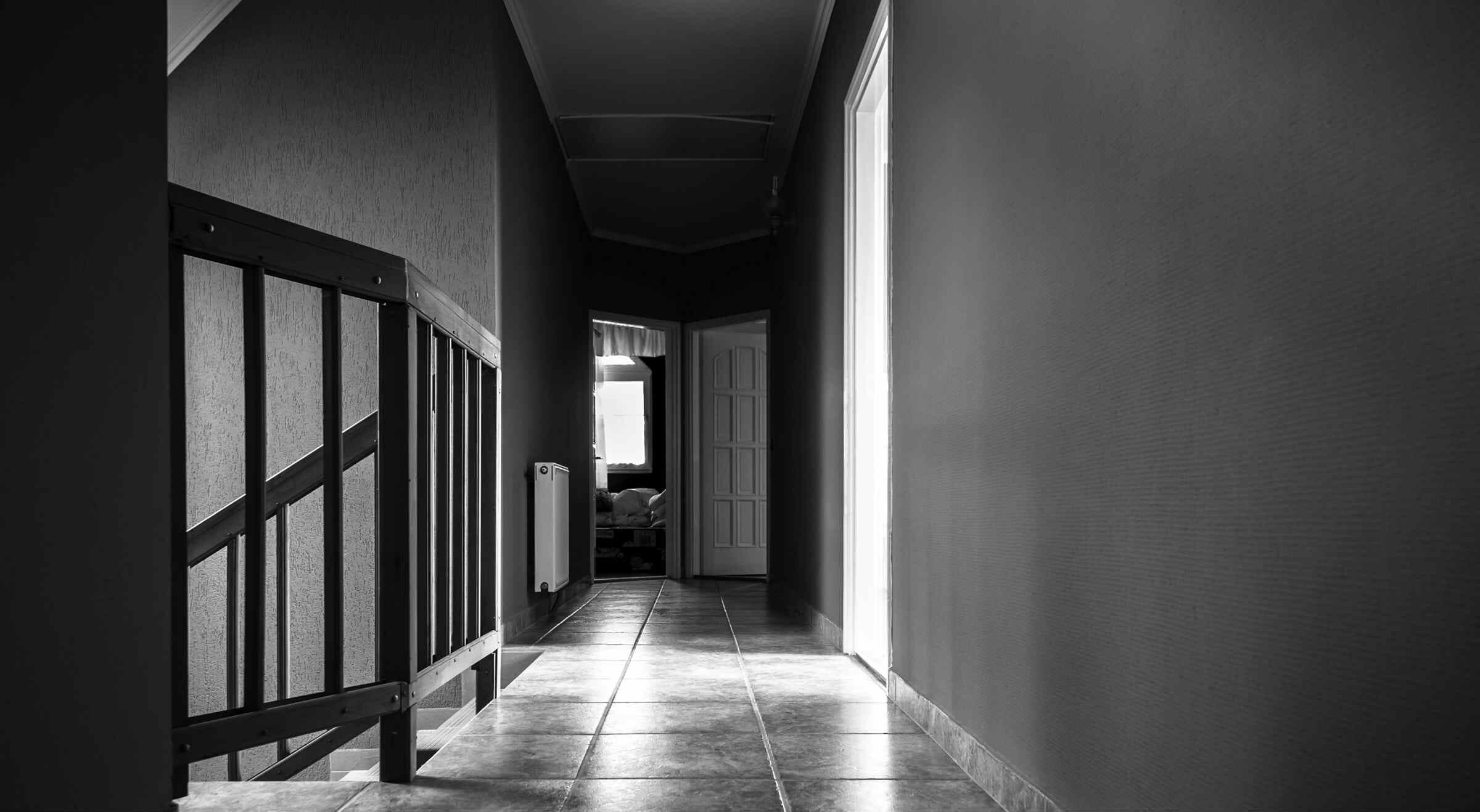 Lungo Il Corridoio In Inglese : In quel corridoio senza fine ci sono tutti i libri della mia vita