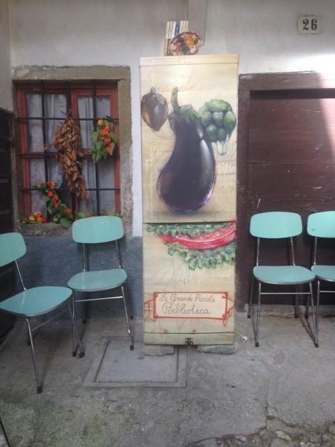 La biblioteca di Dordolla (foto di Barbara Migotto)