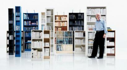 Addio al papà della libreria Billy e dei mobili componibili