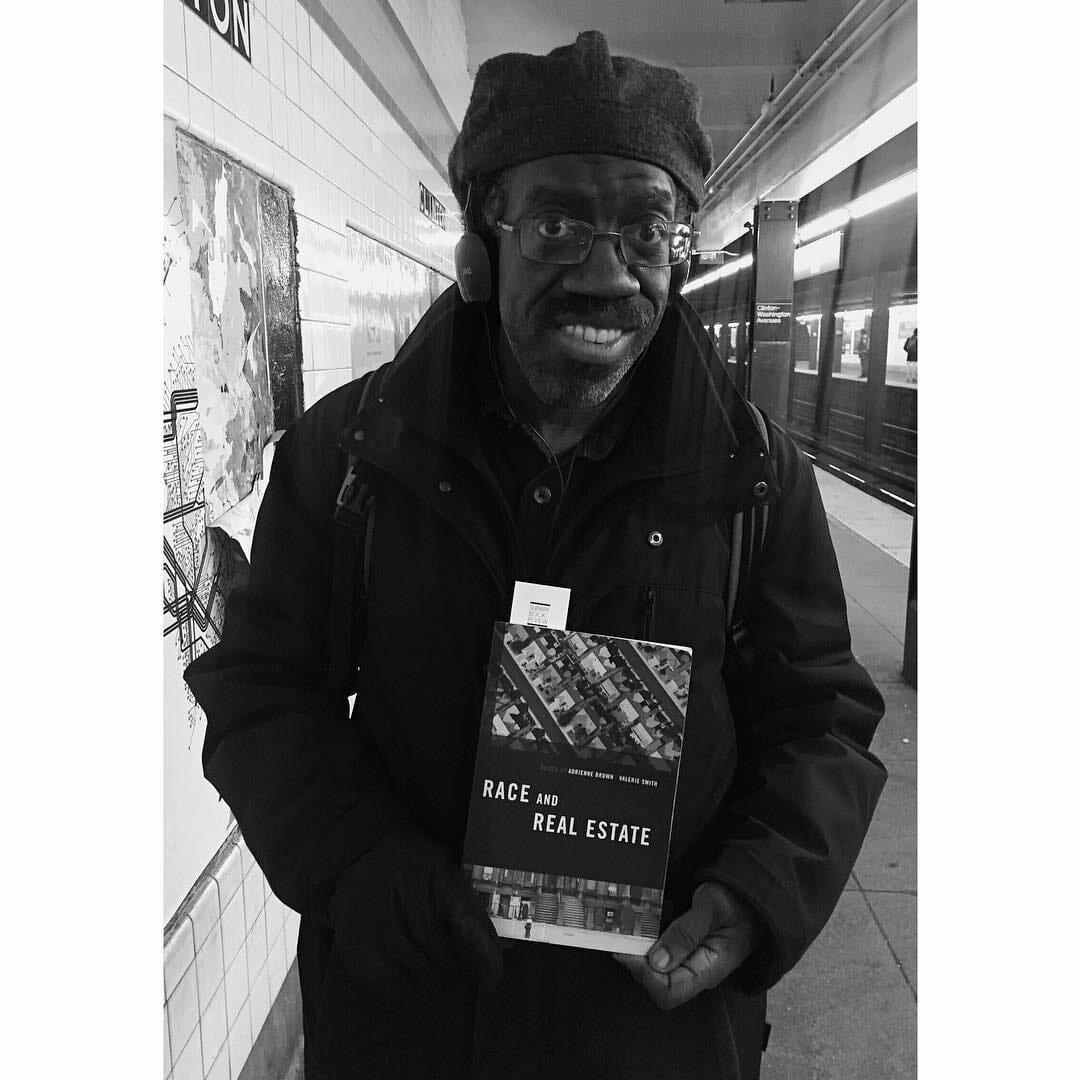 uomo legge metropolitana
