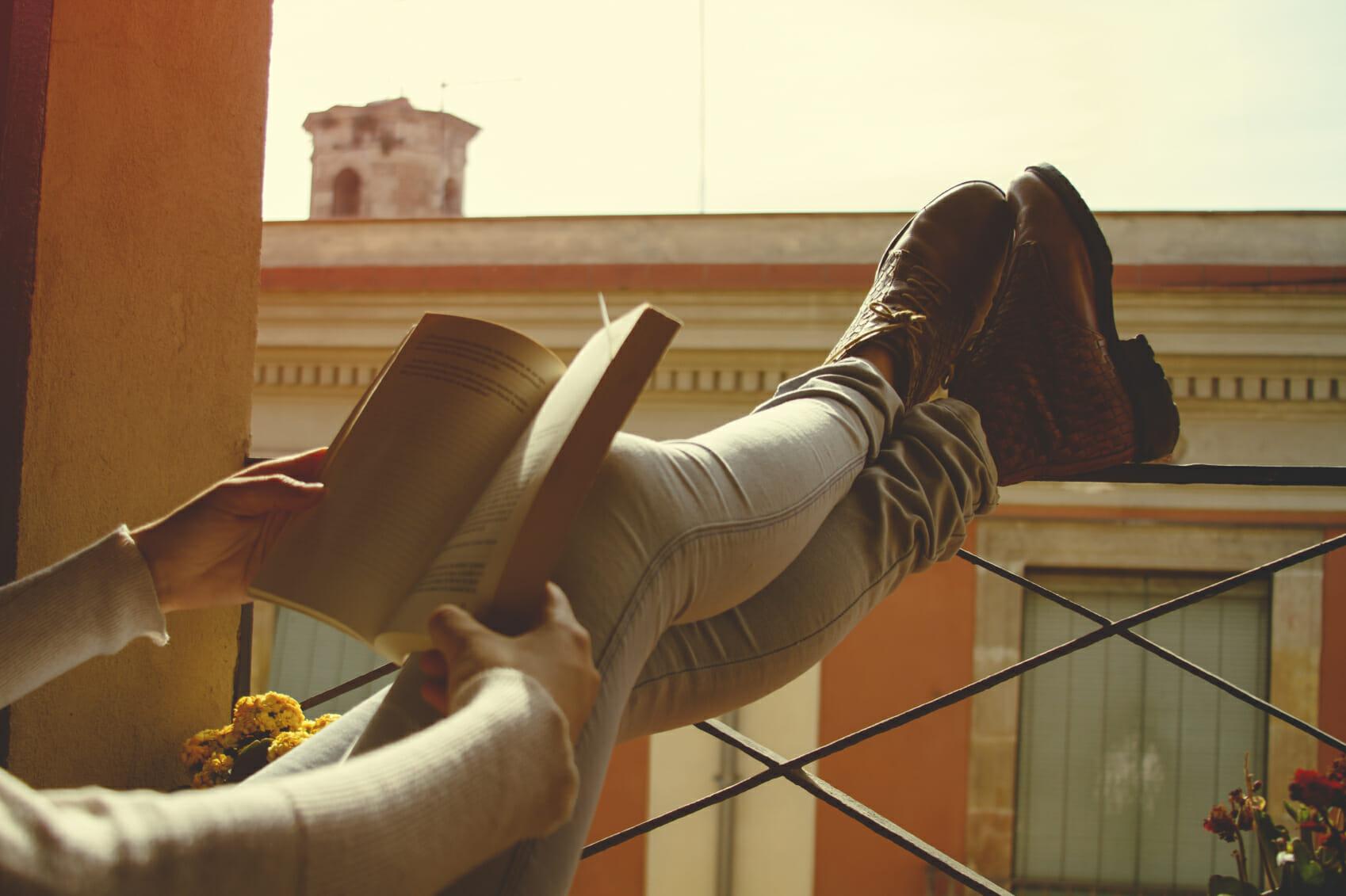 10 libri di racconti da leggere nella vita