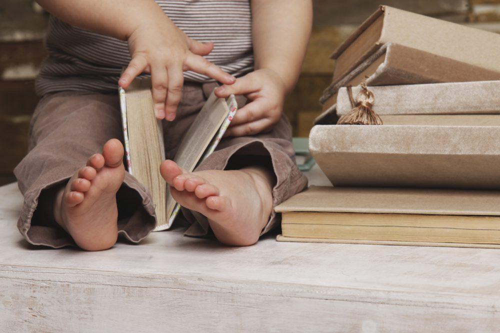 Leggere da bambini influenza lo stipendio che si riceverà da adulti: la ricerca
