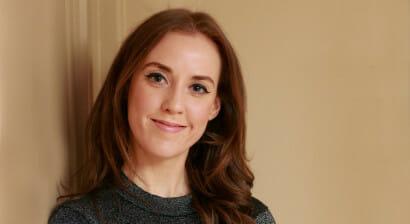 Louise O'Neill, scrittrice che parla alle ragazze di oggi:
