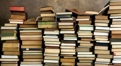 In Giappone c'è una parola per descrivere chi accumula nuovi libri...