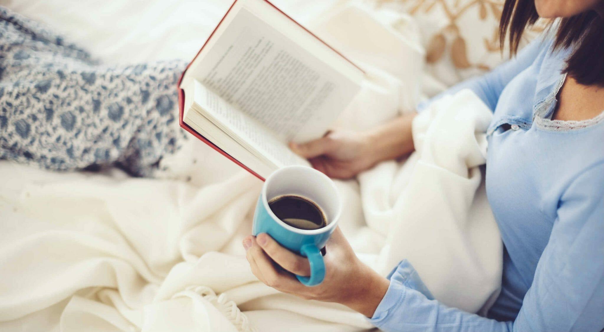 leggere a letto lettore lettrice libri lettura