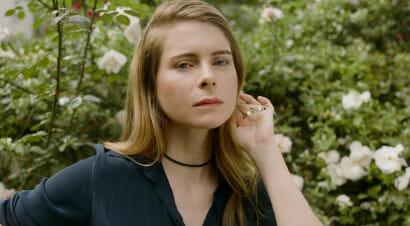 Anche la scrittrice Emma Cline denuncia gli abusi subiti