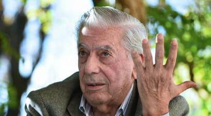 Mario Vargas Llosa, il nuovo romanzo sul rapporto tra giornalismo e potere