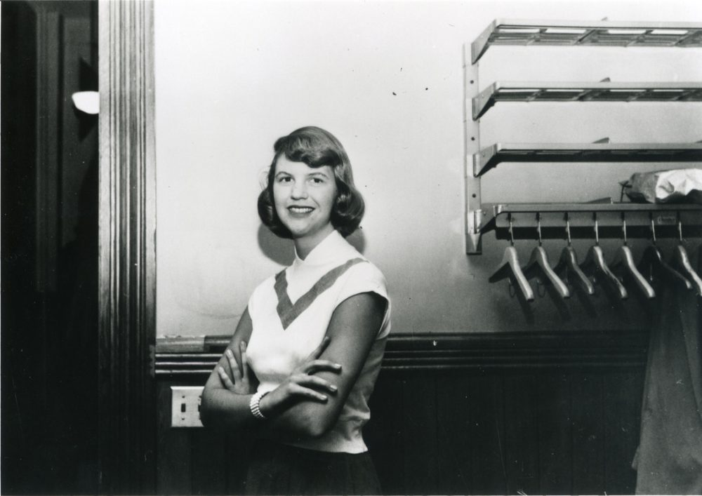 Chi era Sylvia Plath: poetessa, icona e anima triste