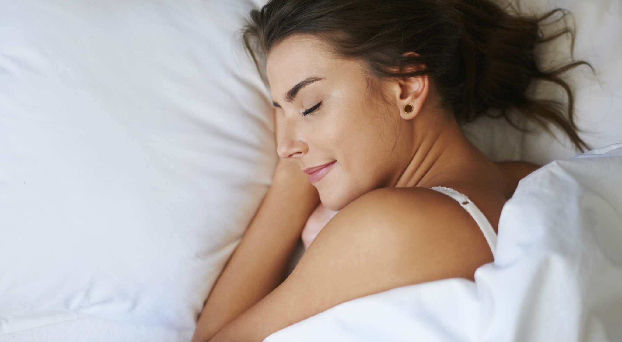 """""""Il potere del sonno"""": dormire bene rigenera, migliora la memoria e allunga la vita"""