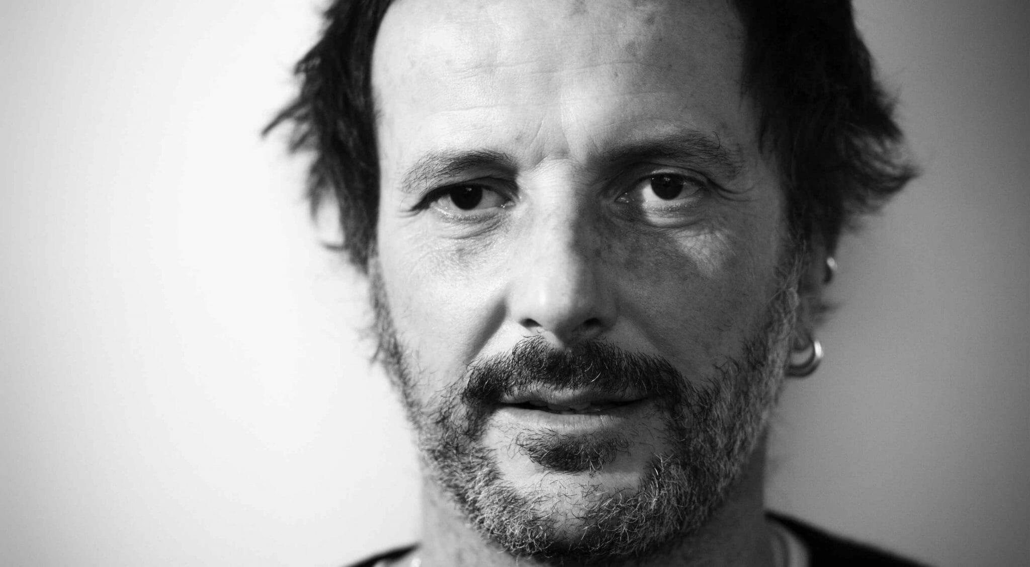 """""""Non possiamo opporci all'amore e alla seduzione"""": Matteo Nucci racconta """"L'Abisso di Eros"""""""