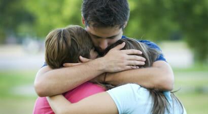 Genitori, essere iperprotettivi non vuol dire amare di più