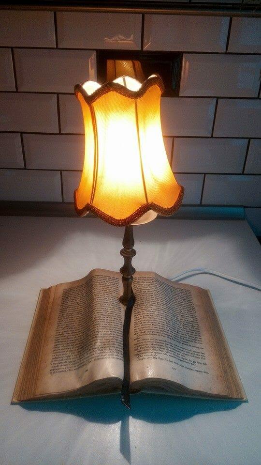 libri lampade pibri orologi follemente oggetti letterari