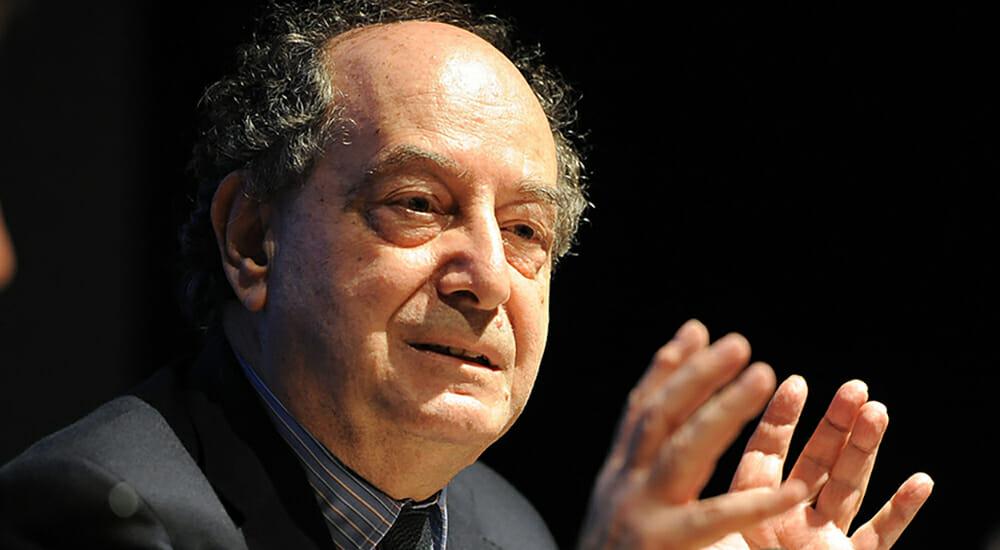 """I libri """"inclassificabili"""" di Roberto Calasso, presidente di Adelphi"""