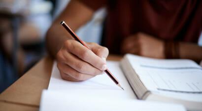 Tornare a insegnare a scrivere? Ripartendo da lettura e sintassi