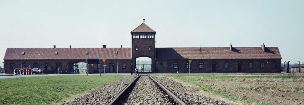 Primo Levi, se questo è un uomo Auschwitz Campo di Concentramento