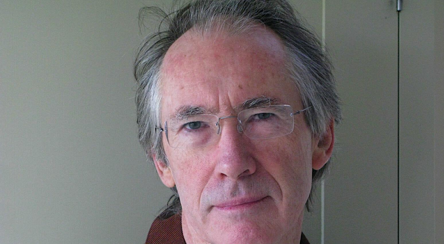 Ian McEwan si racconta (la raccolta delle interviste agli scrittori di Enrico Franceschini)