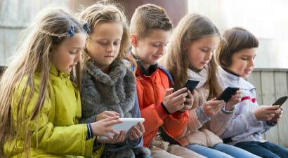 Lo smartphone a scuola? Una serie di motivi per cui non è una buona idea