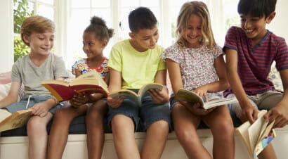 Cosa può fare la scuola per combattere il razzismo: l'intervento di Enrico Galiano