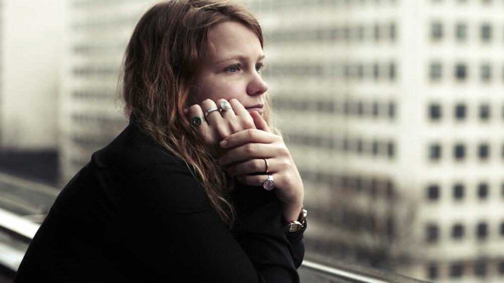 Kate Tempest: rapper, poetessa, scrittrice e performer in libreria con un poema