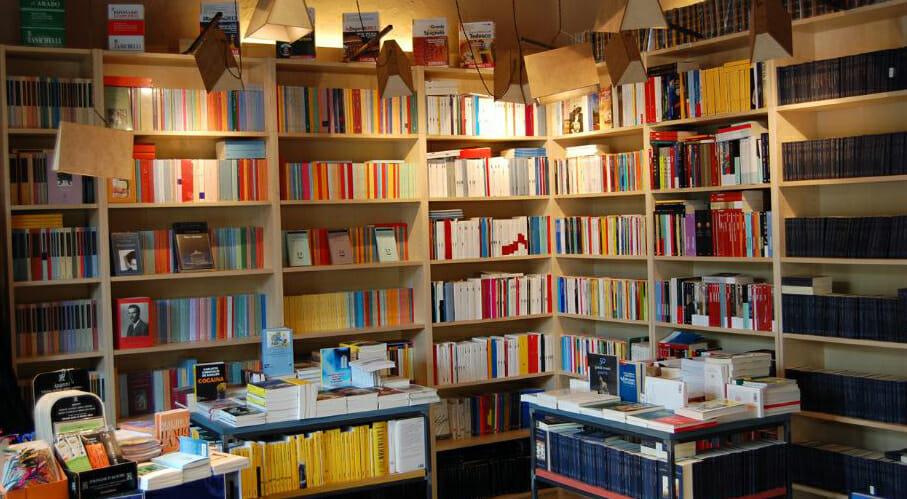 Torino: la lunga festa per il quinto compleanno della libreria Il ...