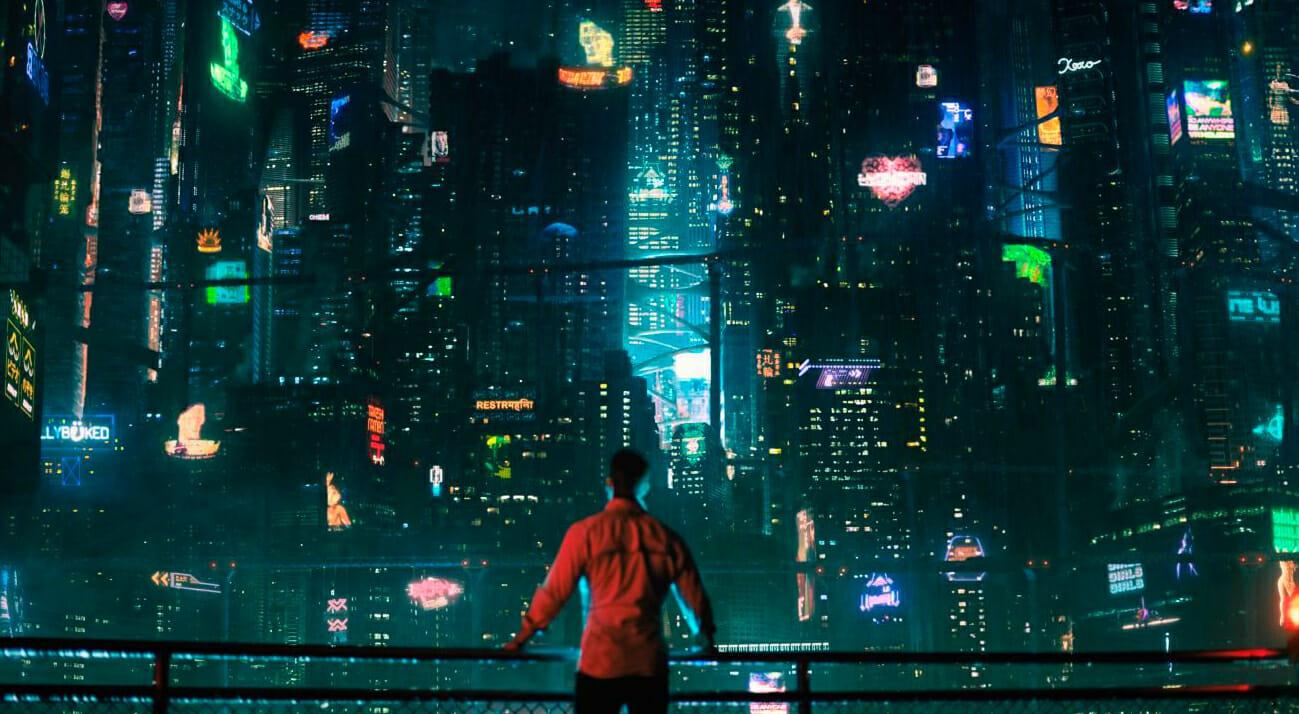 """""""Altered Carbon"""", la serie Netflix ispirata al romanzo distopico """"Bay City"""""""
