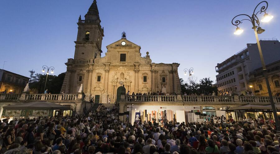 """Festival: dal 15 al 17 giugno """"A Tutto Volume"""", la festa dei libri di Ragusa"""