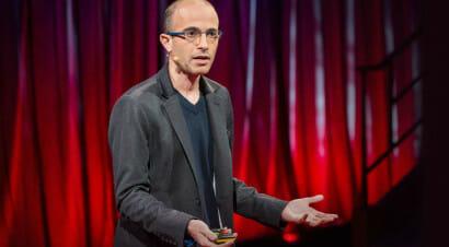 Il futuro avrà un volto umano? In cerca della risposta con Yuval Noah Harari (non uno storico come gli altri)