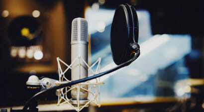 Ascoltiamo meno musica e più audio parlati (audiolibri, podcast...)