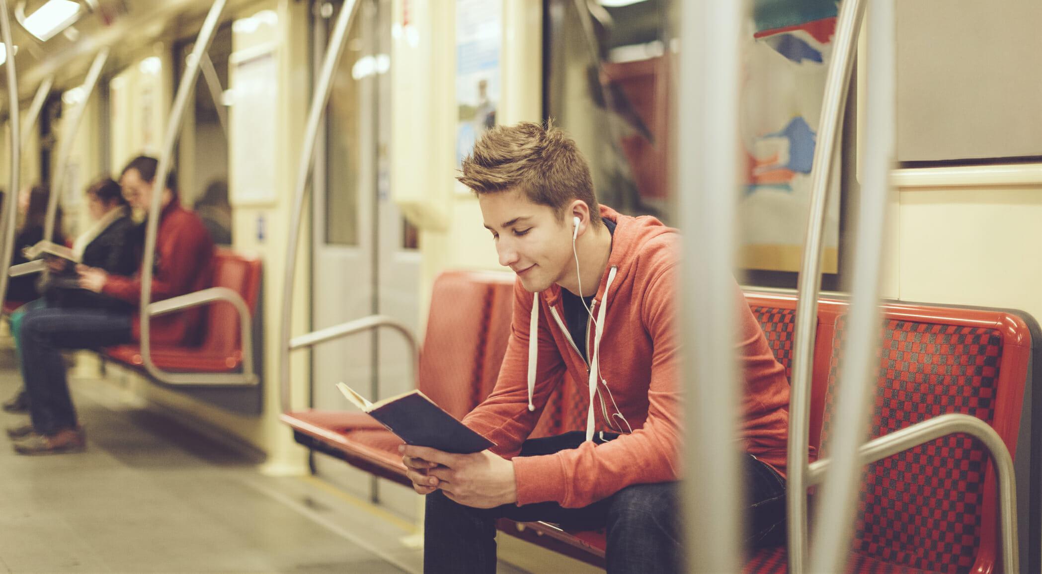 Libri che raccontano il mondo della musica: alcuni consigli di lettura