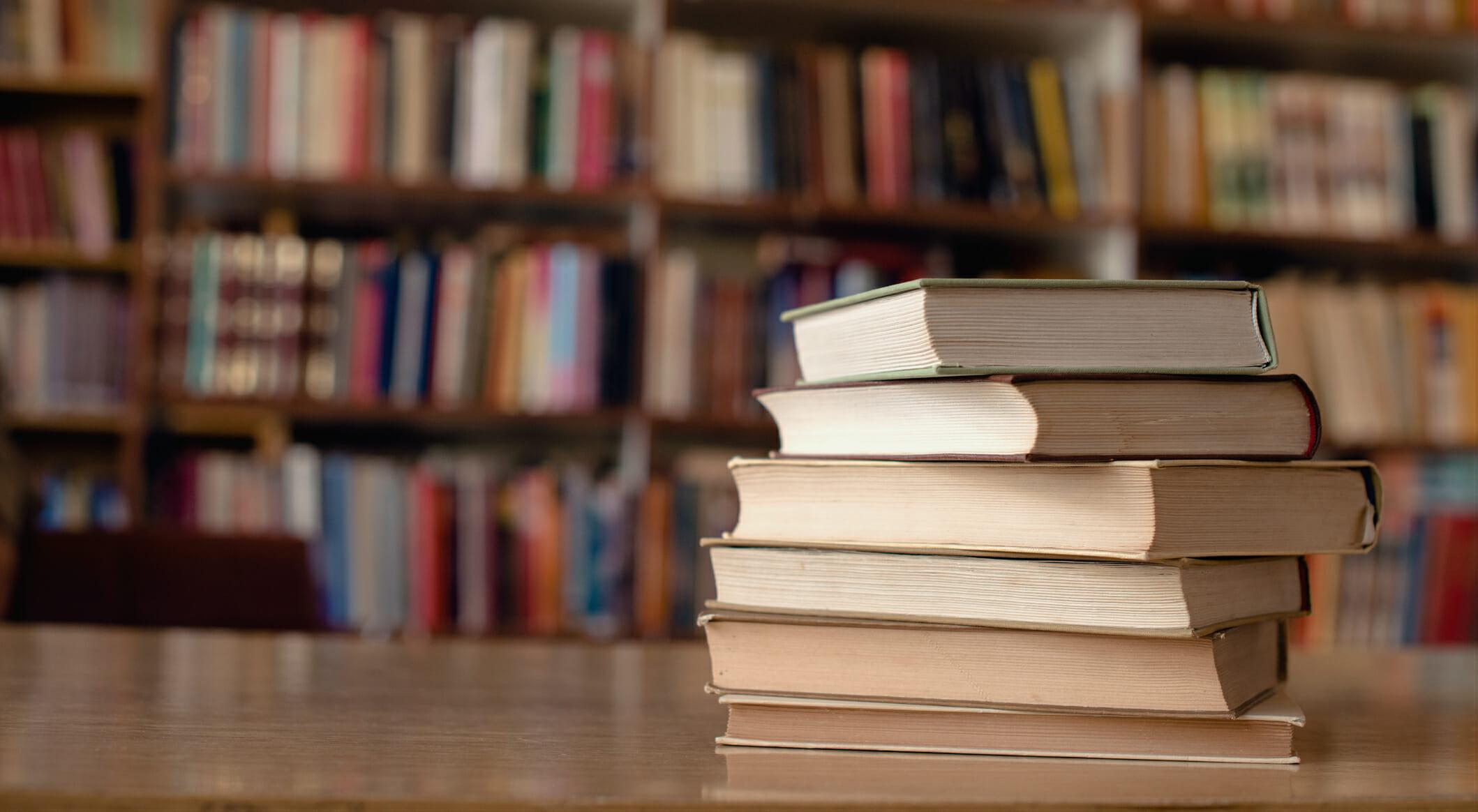 Dall'intelligenza artificiale al riscaldamento globale: ecco cosa raccontano alcuni tra i libri più venduti del momento nel mondo