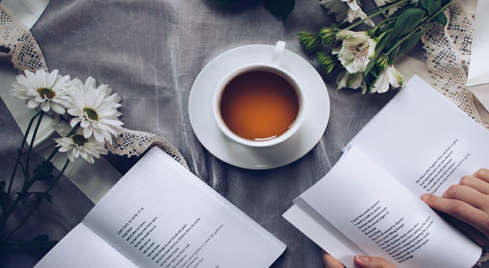 Tè letterari: le bevande calde ispirate ai libri