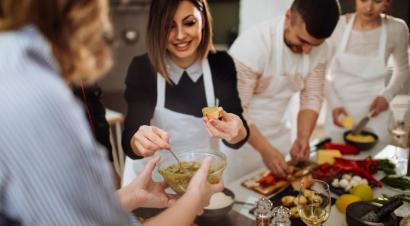 Libri per chi ama il cibo e la cucina, tra ricettari, romanzi e saggi
