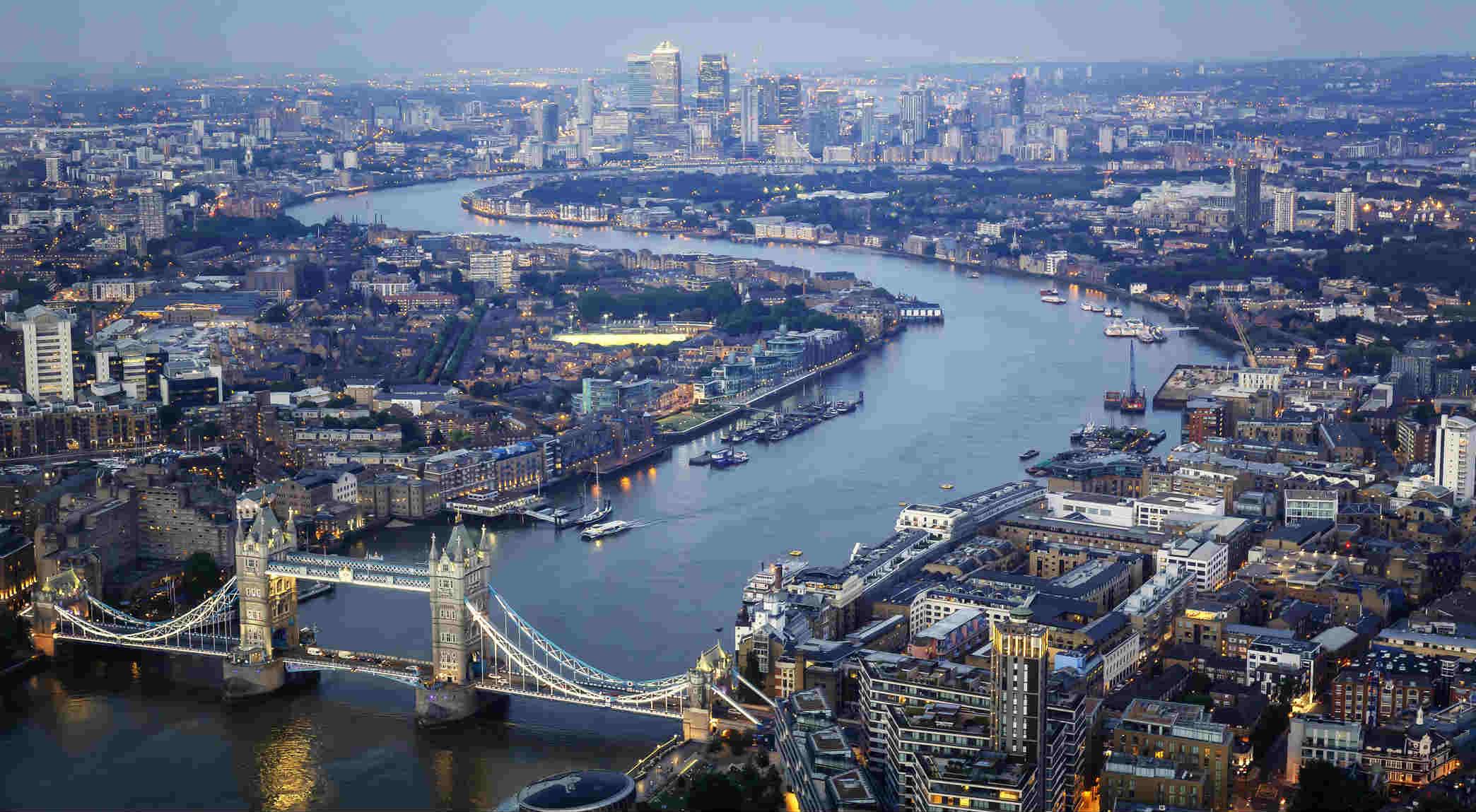 """""""La nostra Londra"""": l'inno a due voci di Simonetta Agnello Hornby e del figlio George"""