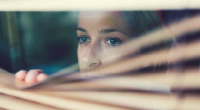 Contro stigma e paura: come libri e serie stanno raccontando i disturbi mentali
