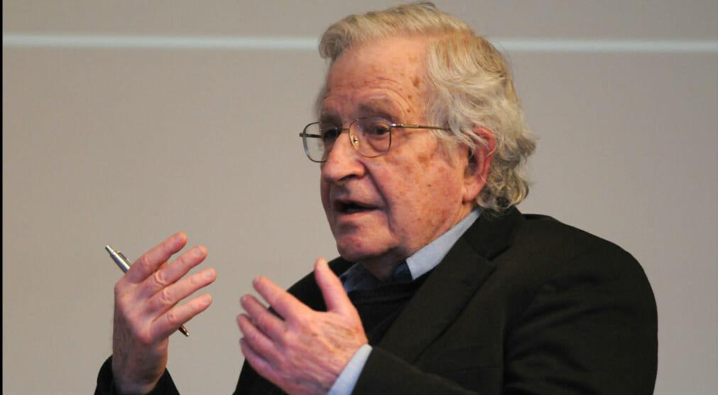 La lettera degli intellettuali apre il dibattito sulle limitazioni alla libertà di pensiero