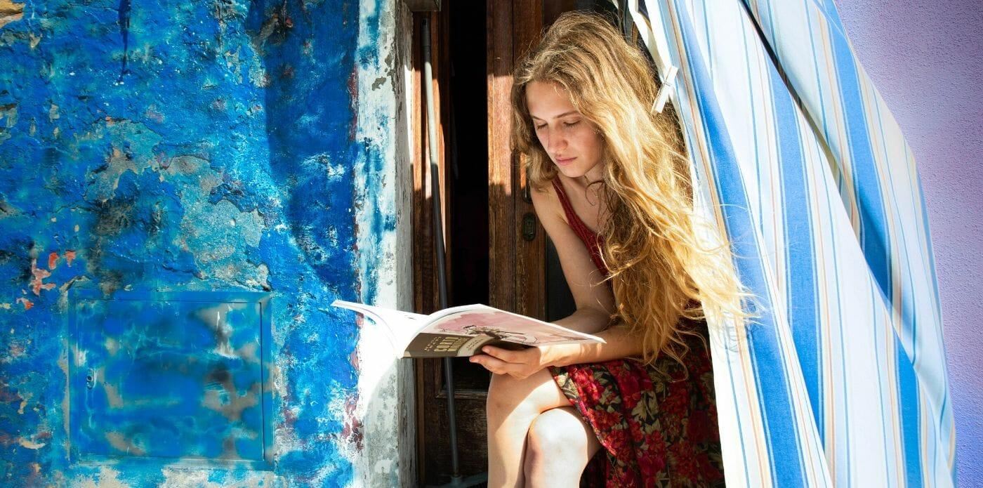 """""""Il vento in faccia"""": i consigli di lettura per l'estate 2020 della rivista il Libraio"""