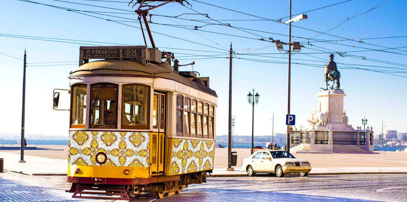 Sotto il sole di una strana Lisbona: l'amore (e il baccalà) ai tempi del Covid 19