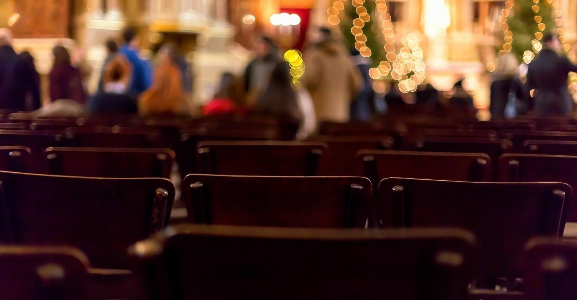 Mezzanotte? A Natale non è certo l'ora della messa quella che conta: interviene il biblista Maggi