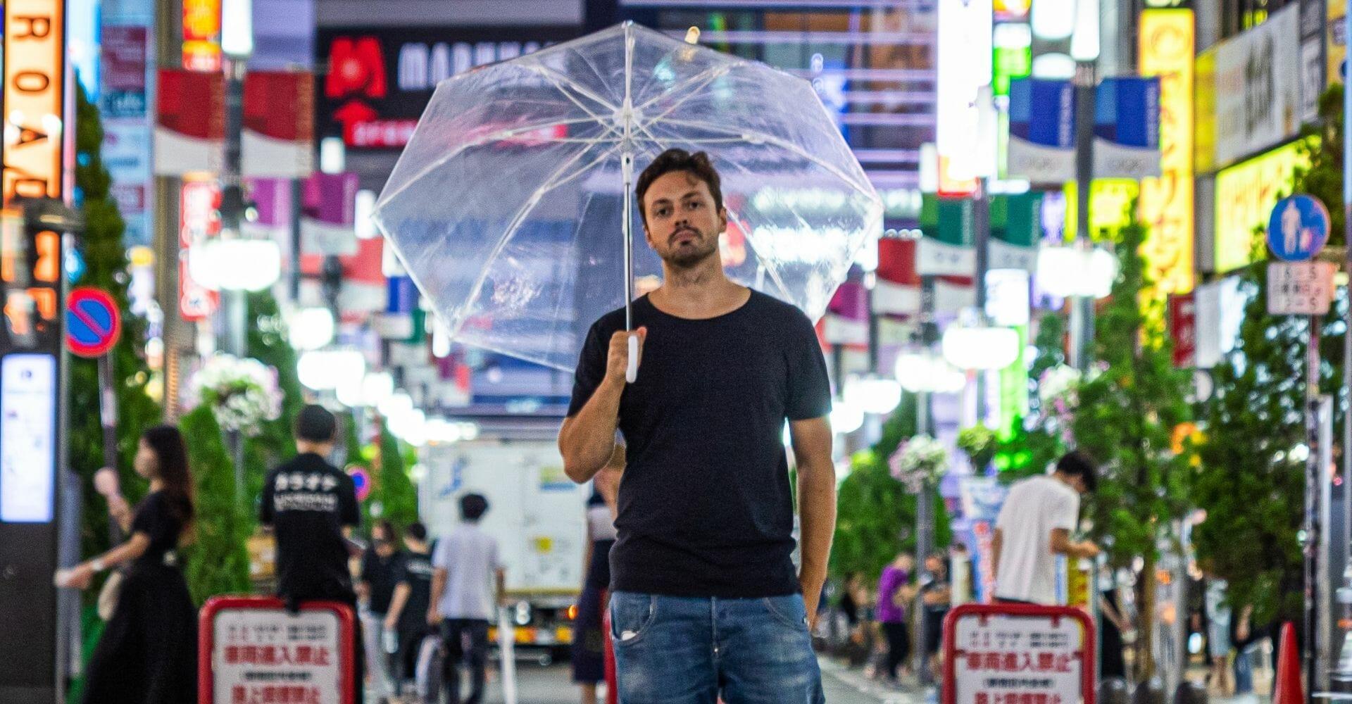 Anche l'Italia si sta appassionando ai manga: lo racconta uno scrittore che vive in Giappone