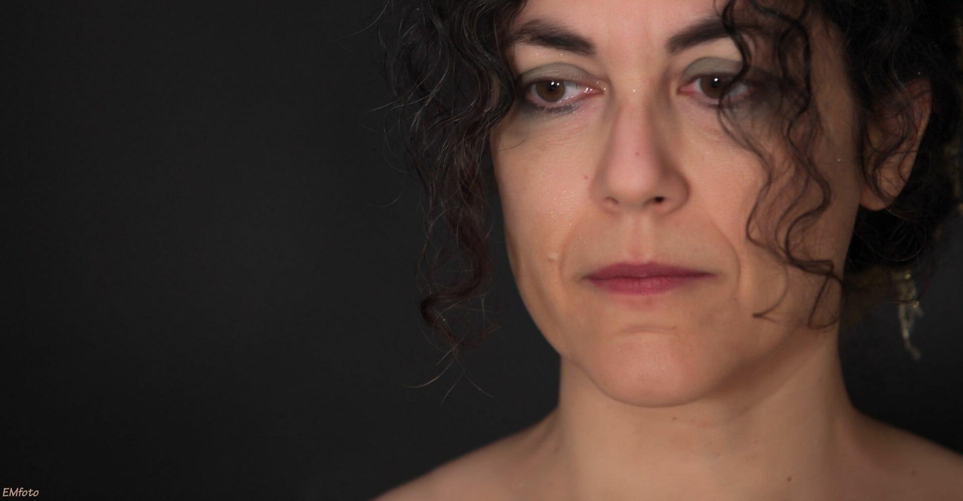 """""""Sono stata rapita dalle parole"""": Maria Grazia Calandrone si racconta"""