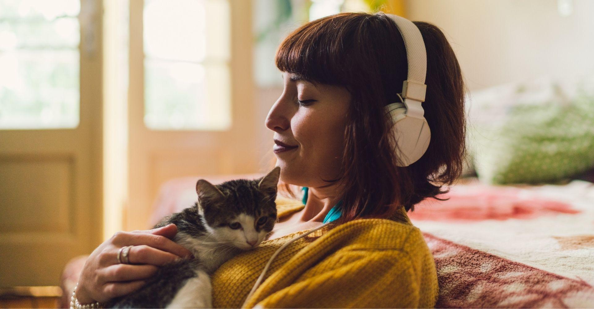"""I consigli di Alice Basso (voce dei suoi audiolibri): """"Per capire se la tua storia funziona, leggila ad alta voce..."""""""