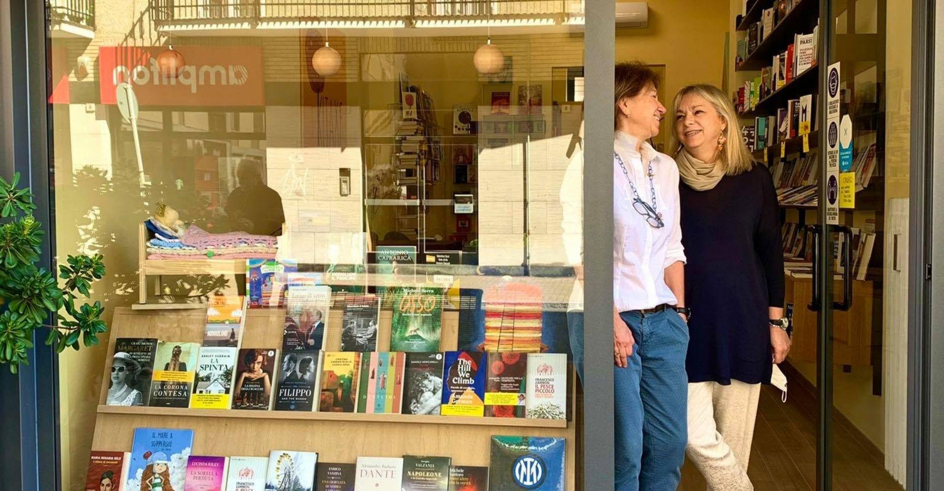 """Due sorelle aprono la libreria """"Kitaxe"""": il coraggio e l'entusiasmo di Antonella e Bruna Rossi"""