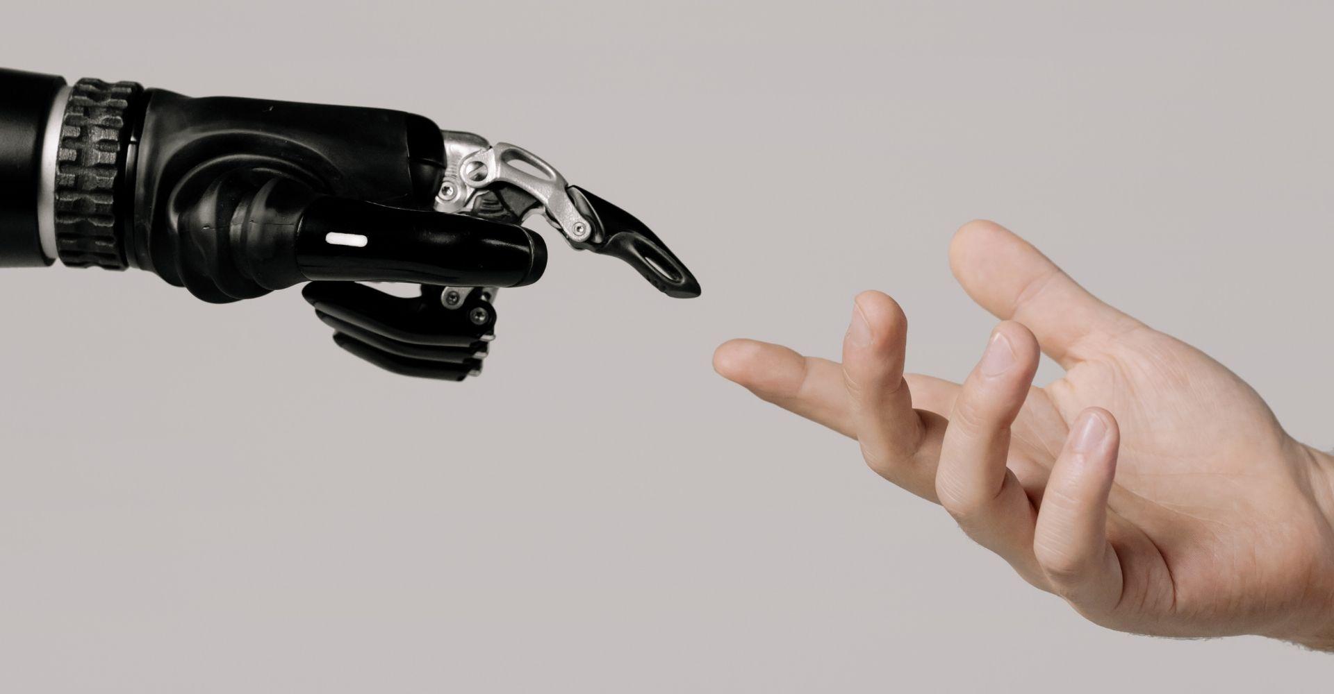 """""""L'innamoramento è umano, l'amore compiuto è (anche) dei robot"""""""