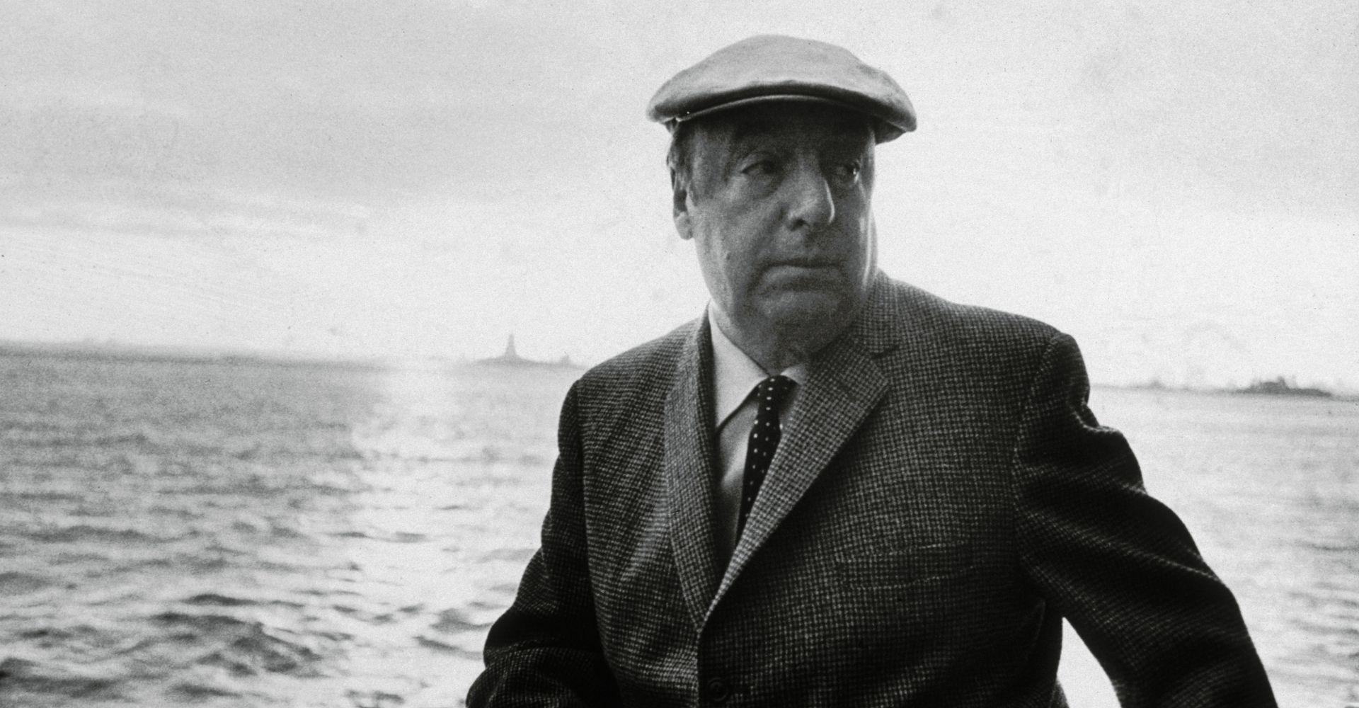 Le poesie e la vita di Pablo Neruda, il poeta dell'amore